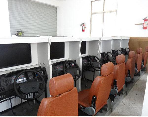 新品JD/M1012汽车驾驶模拟器