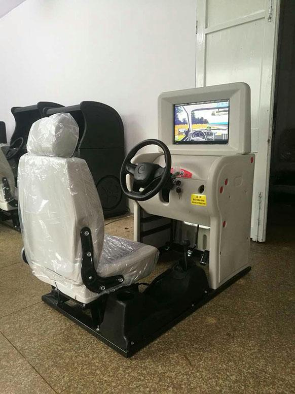 新品JD/M1018汽车驾驶模拟器(英语版)